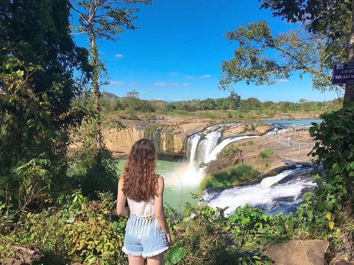 Di chuyển đến thác Dray Sáp