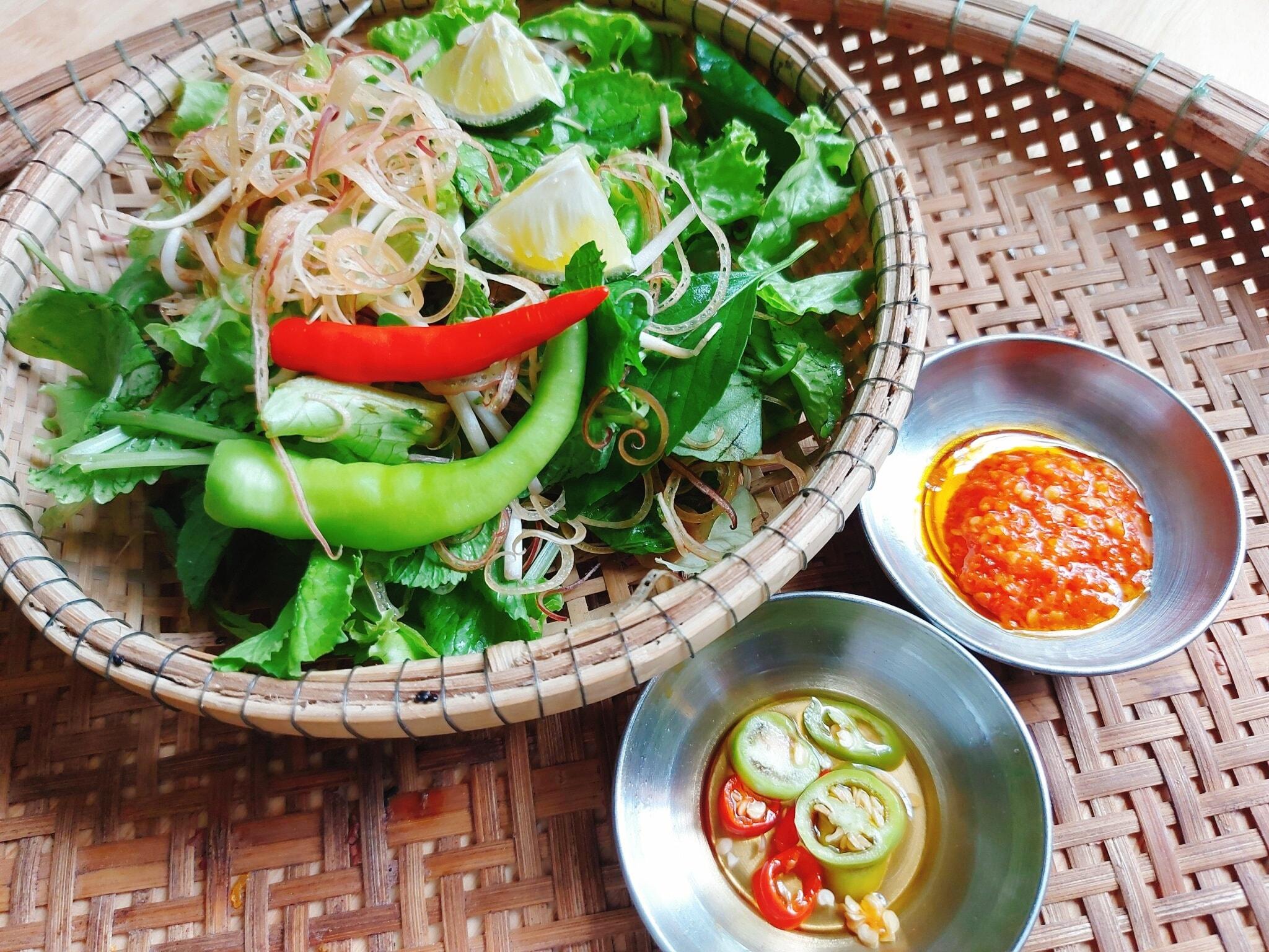 Út Koi Mì Quảng Ếch